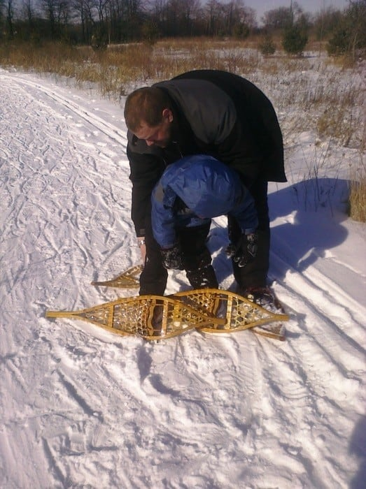 getting help on the snowshoe trail