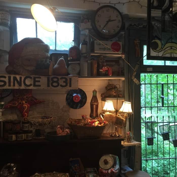 Rabbit Hash General Store 2