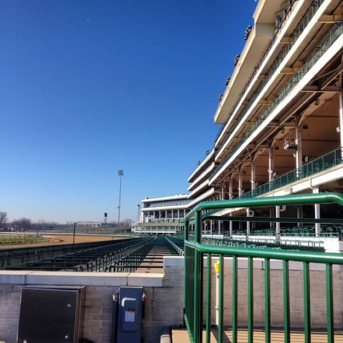 historic walking tour at Churchill Downs40