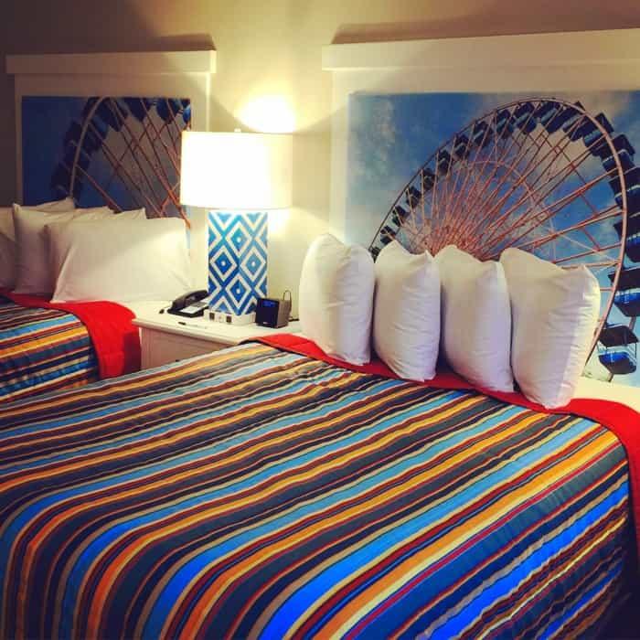 Hotel Breaker bed2