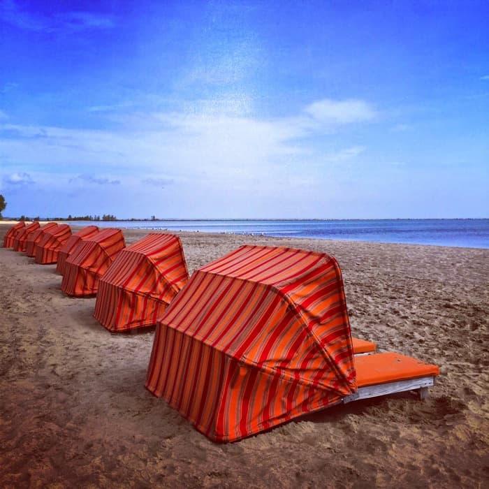 Hotel Breakers beachfront3