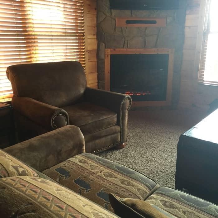 Mountain Majesty Retreat Family Room