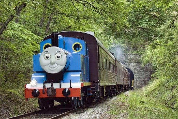 Thomas steams down the track_HIGH