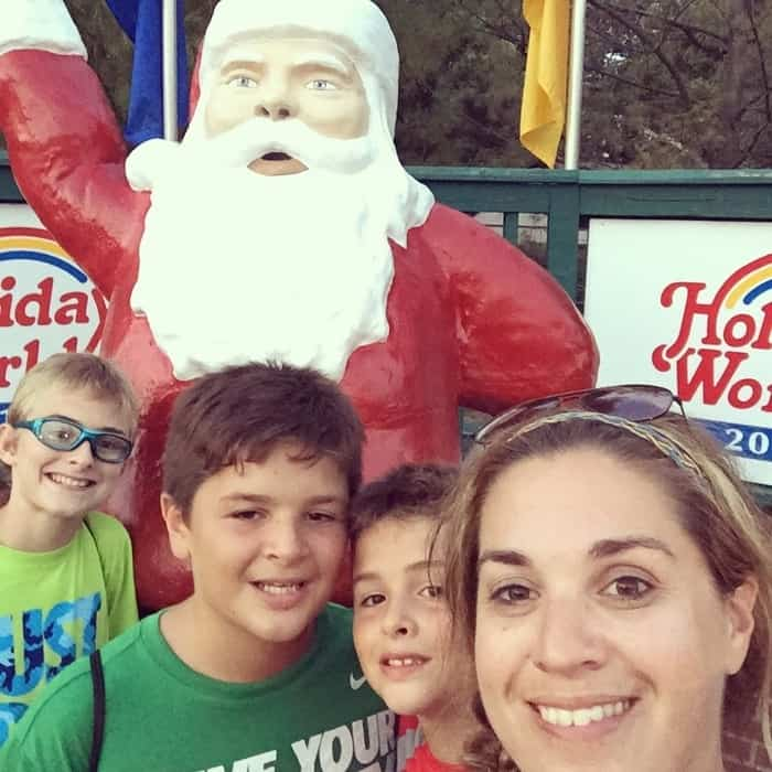 Santa Claus selfie at Holiday World
