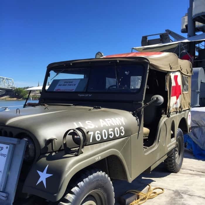 Jeep USS LST 325