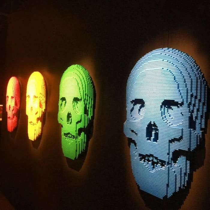 Skulls by Nathan Sawaya The Art of the Brick
