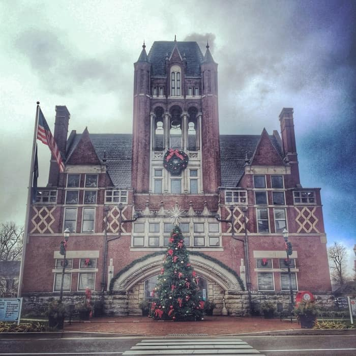 Small Town Holiday Charm in Bardstown, Ky