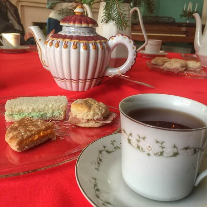 Mrs. Julia Beckham's Christmas Tea Bardstown