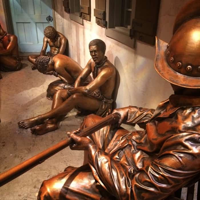 bronze-statues-national-undergroun-railroad-freedom-center