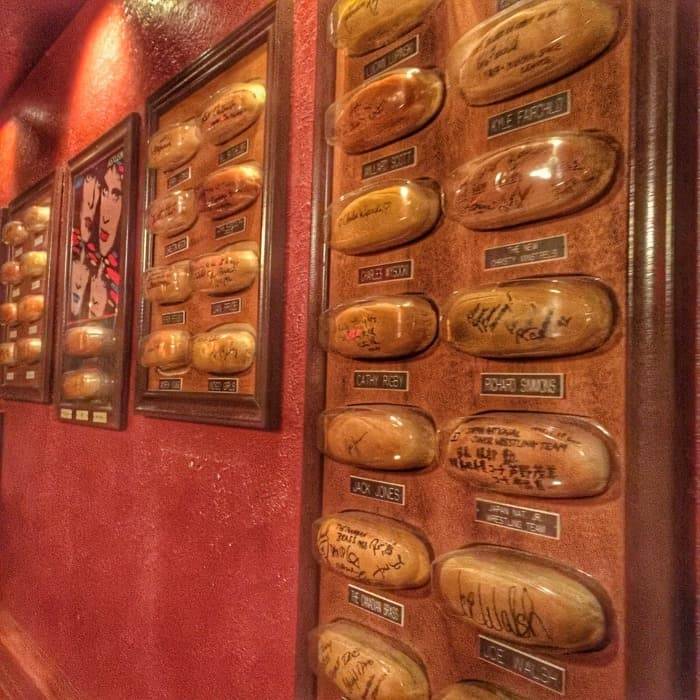 Bun wall of fame Tony Packo's 9