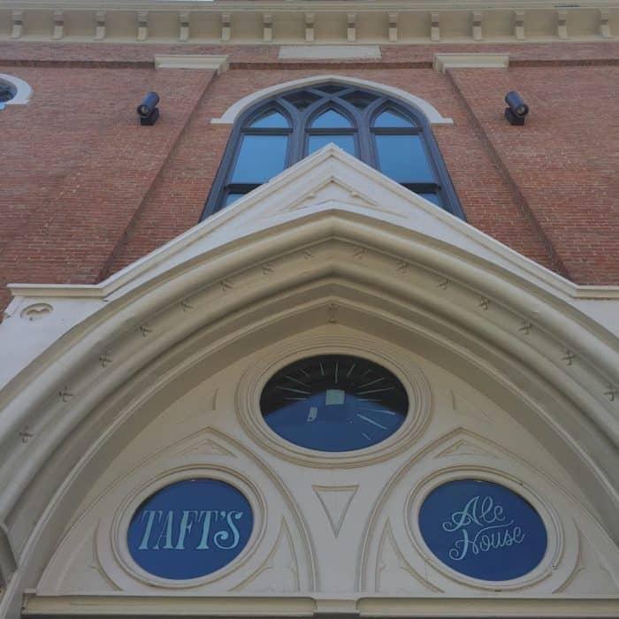 Taft Ale House outside