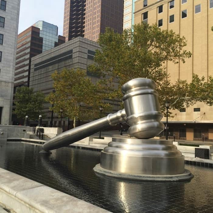 worlds-largest-gavel