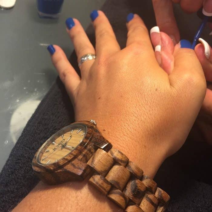 blue-nail-polish