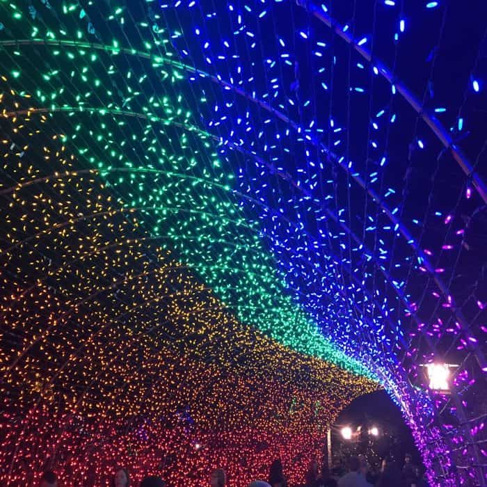 holiday-lights-destinations-tips-adventure-mom-blog