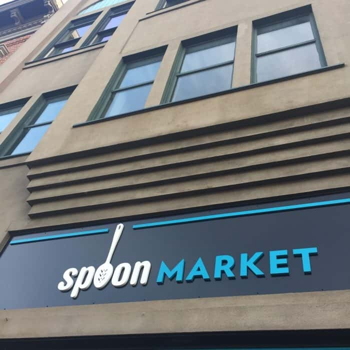 spoon-market-sign