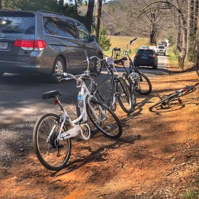 bikes and cars on the Cades Cove loop