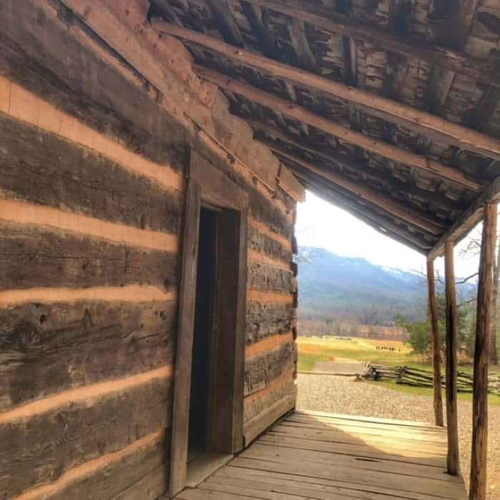 John Oliver Cabin on the Cades Cove loop