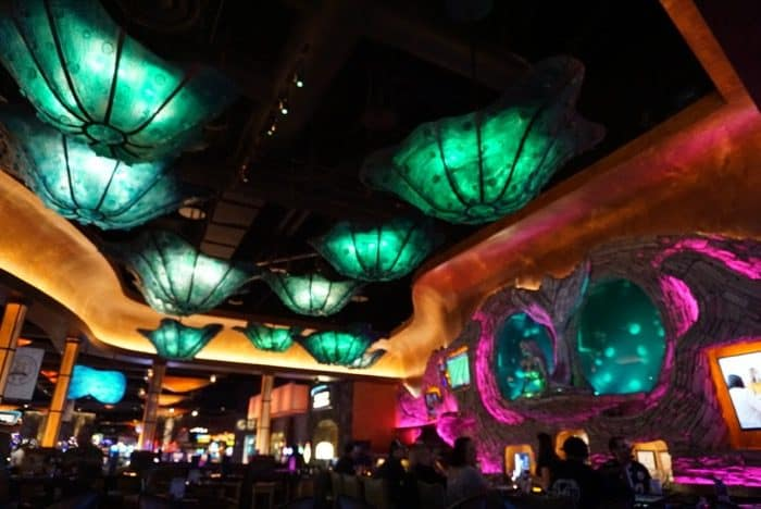 meal-mermaid-silverton-casino-las-vegas-bar