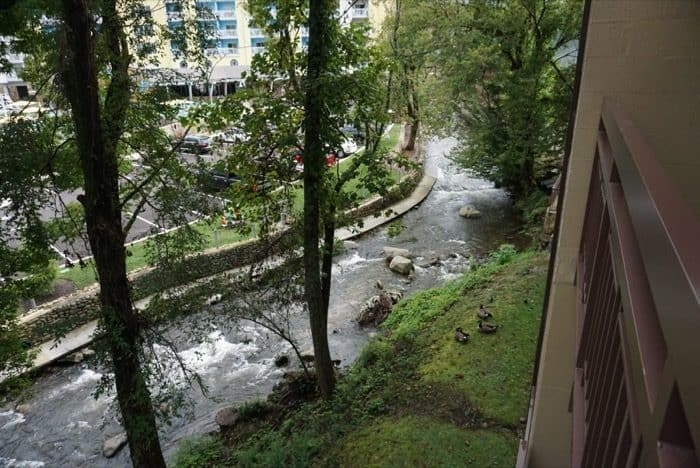 creek-view-greystone-lodge-gatlinburg