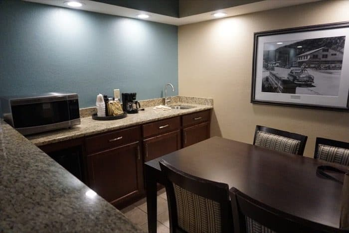 kitchenette-greystone-lodge-gatlinburg