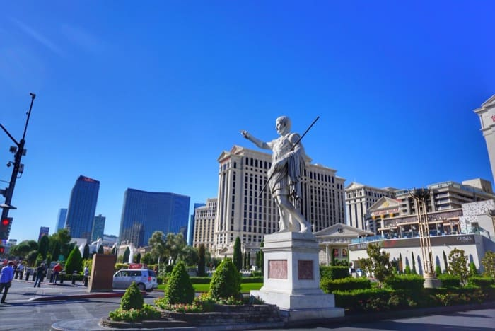 las-vegas-strip-monorail-caesars-palace