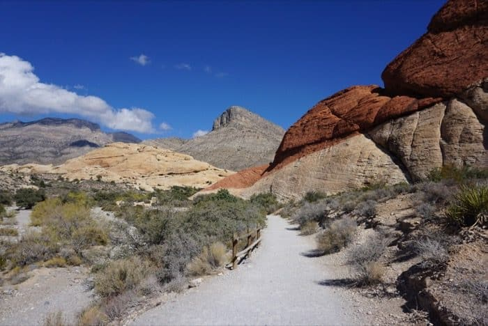 red-rock-canyon-las-vegas-calico tanks-trail