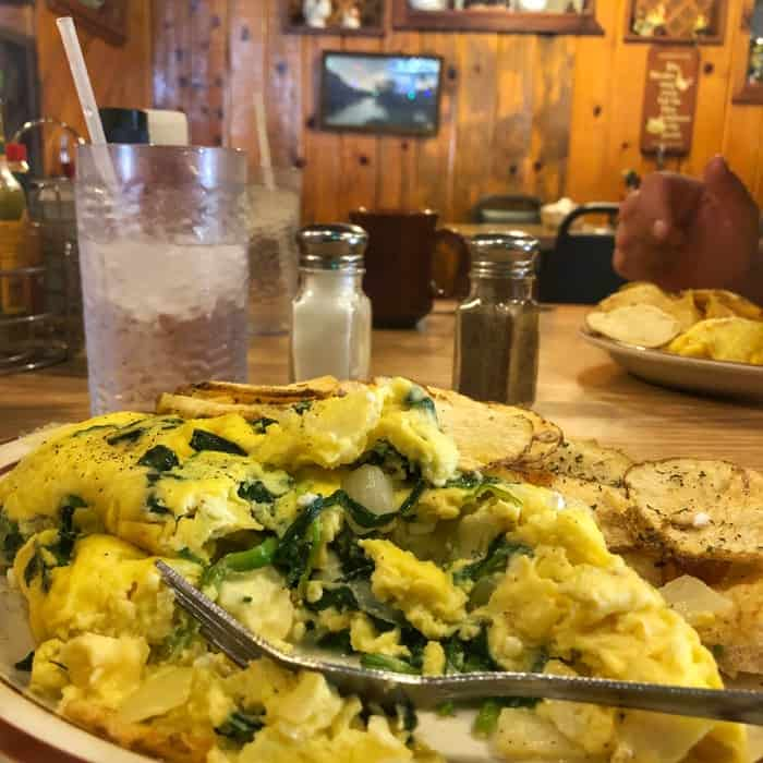 omelet-house-las-vegas-budget-travel