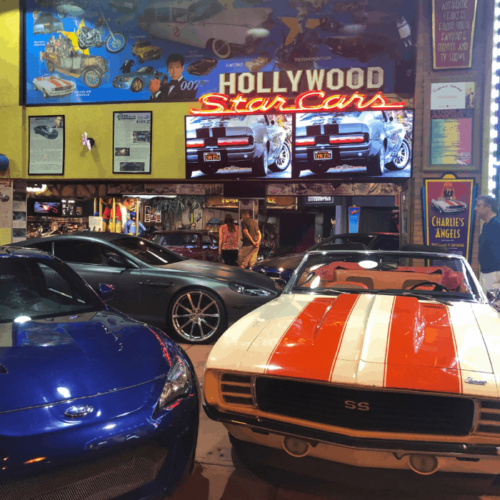 hollywood-car-museum-gatlinburg