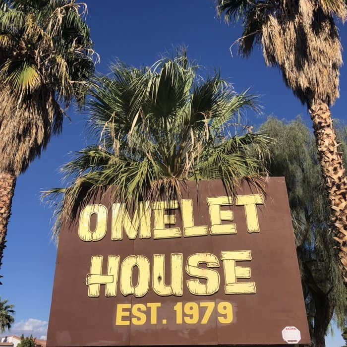 omelet-house-las-vegas-sign