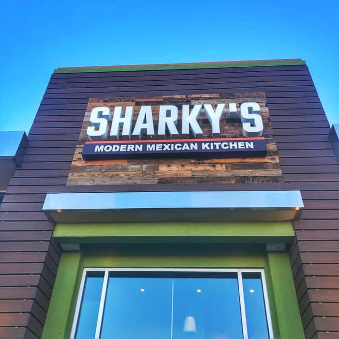 sharkys-woodfired-mexican-grill-las-vegas-exterior-sign