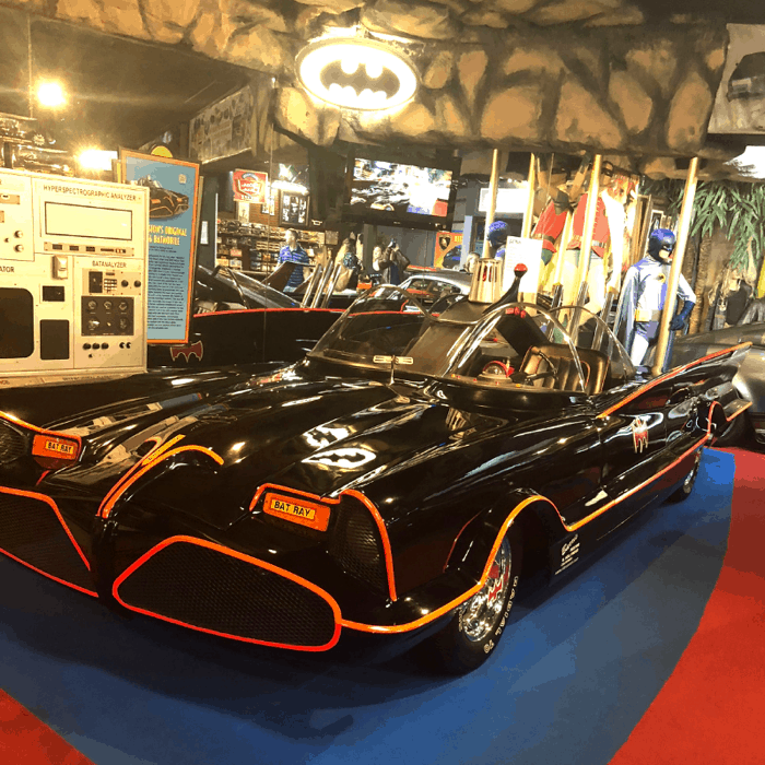 vintage-batmobile-hollywood-car-mobile-gatlinburg