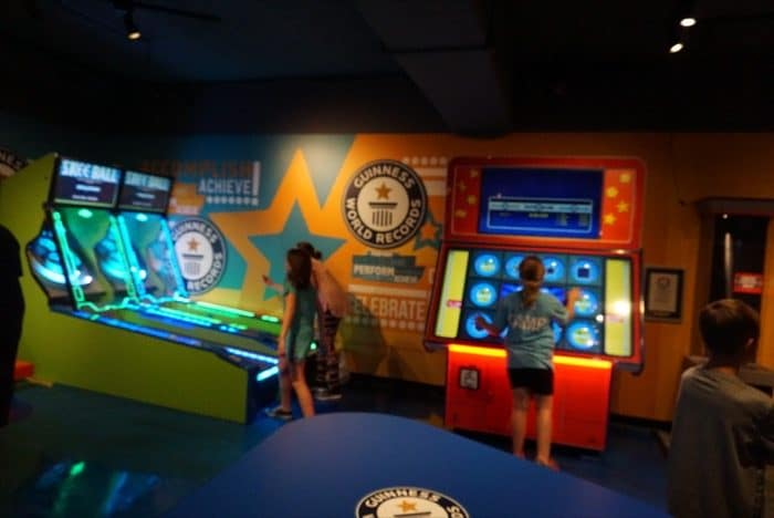 guinness-world-record-attraction-gatlinburg-games