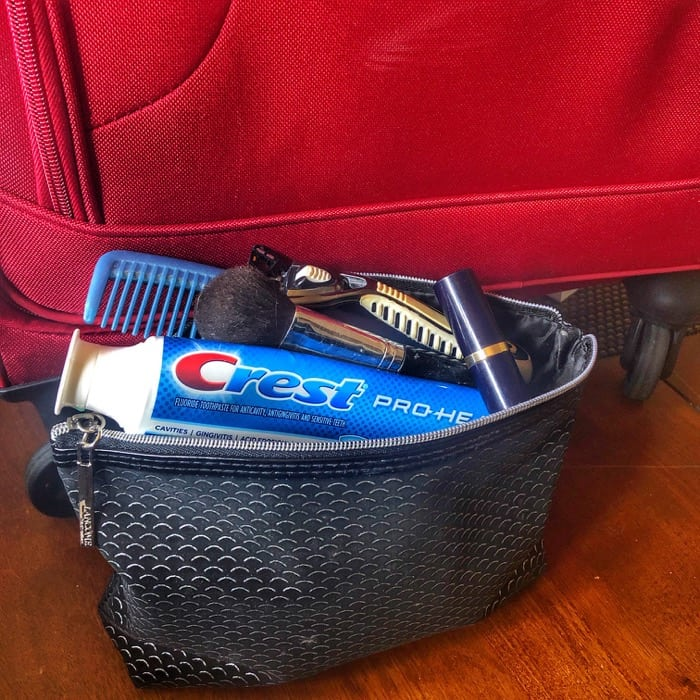 toiletry-bags-packing-tips-holiday-family-travel