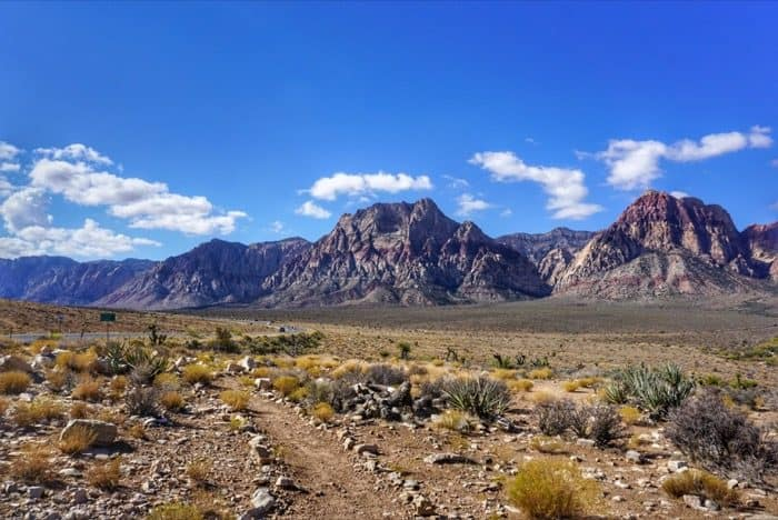 red-rock-canyon-las-vegas-mountain-views