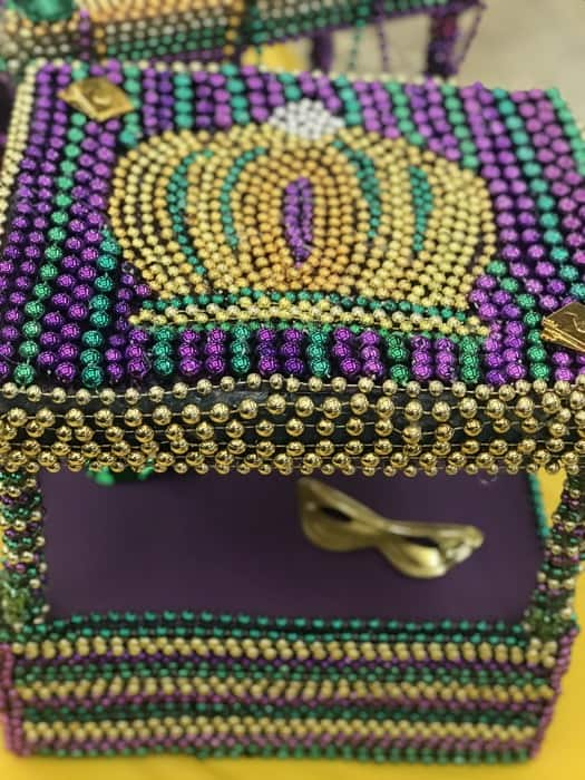 king-cake-beaded-shoe-box-float-mardi-gras