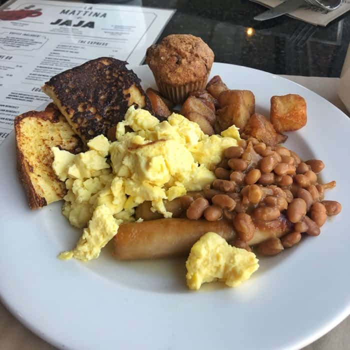 Baked beans for breakfast in Canada