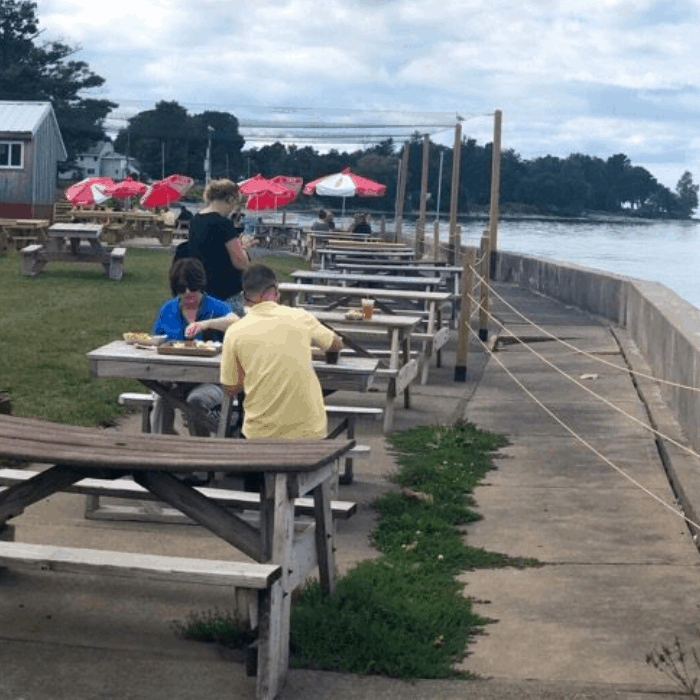 outdoor seating at Rudy's Lakeside Restaurant in Oswego New York