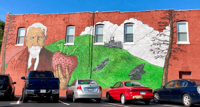 mural near Splitlog Coffee in Kansas City Kansas