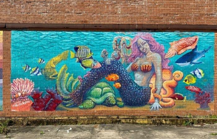 mermaid mural in Beaumont Texas