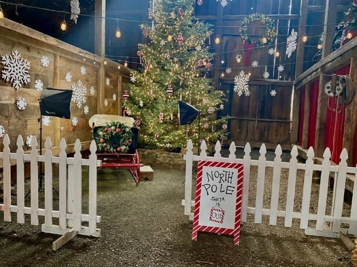 pictures with Santa area  at Leavenworth Reindeer Farm
