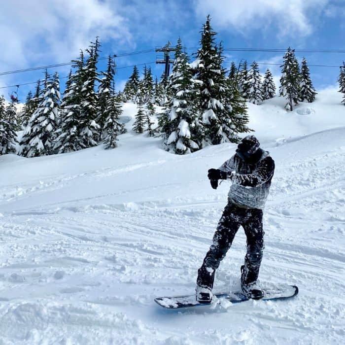 snowboarder at Steven Pass ski resort