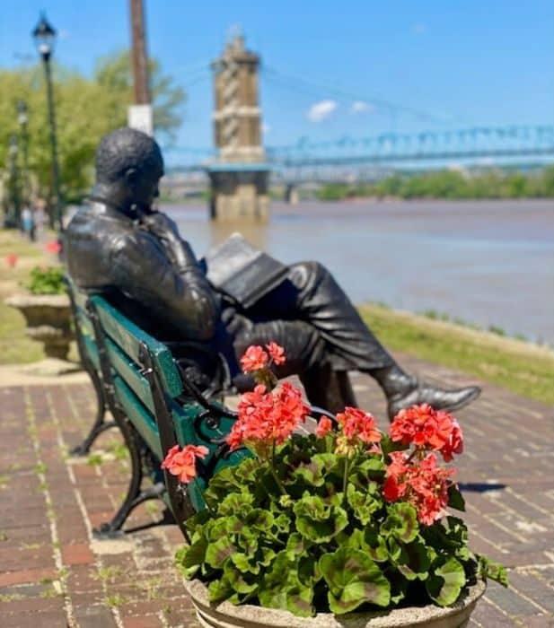 James Bradley Statue on Riverwalk Statue Tour