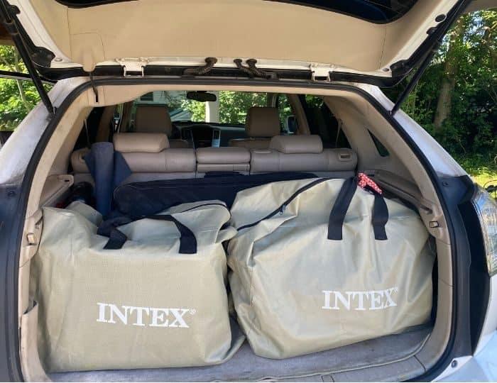 intex Inflatable kayak in carrying bag