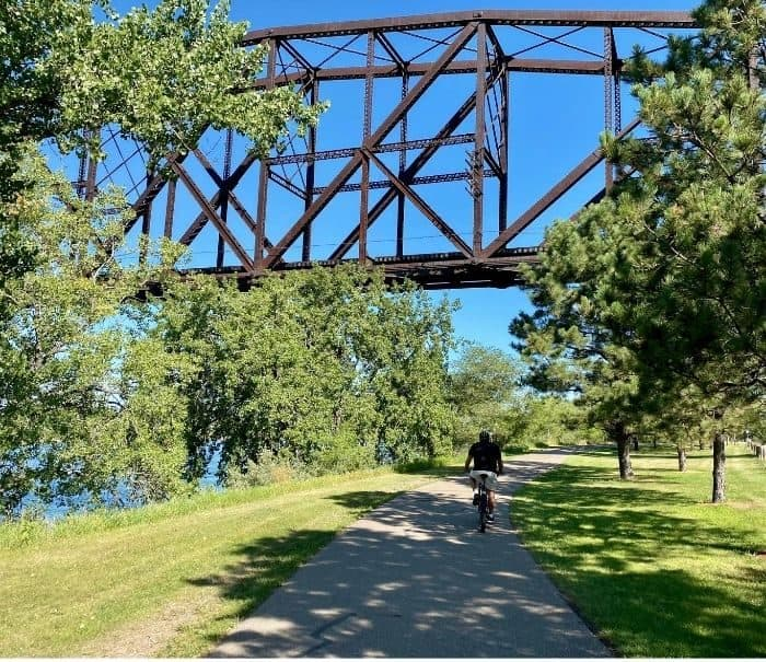 bike path in Bismarck North Dakota