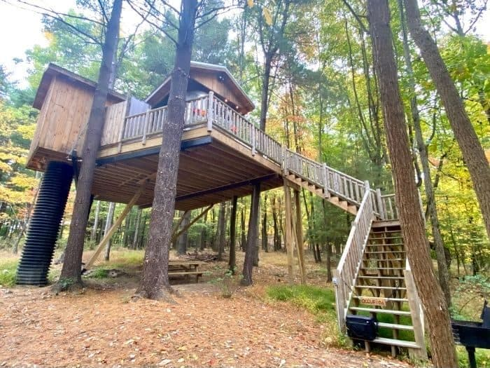 Silver Bullet Treehouse Rental at The Mohicans