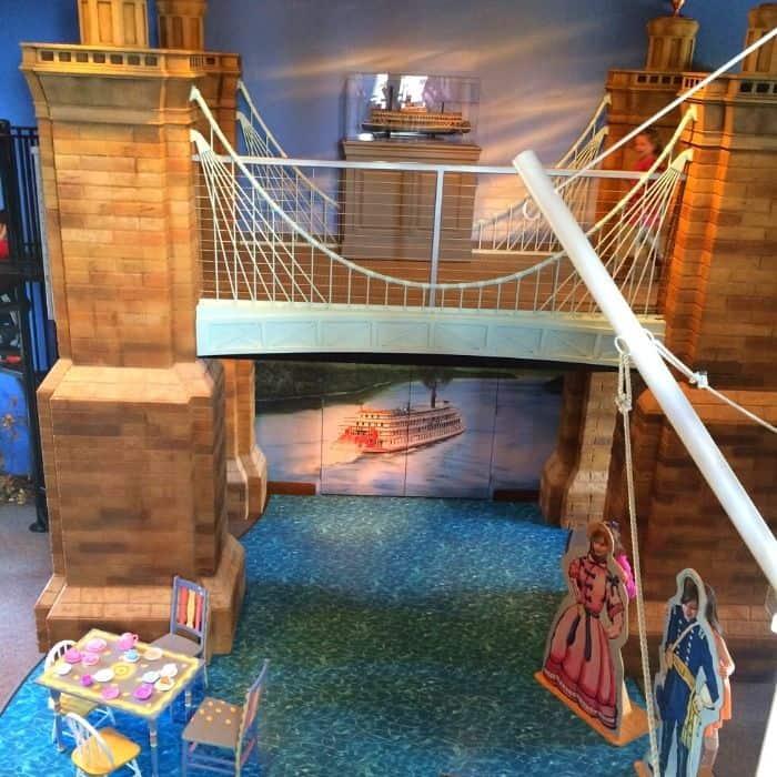 play bridge at Behringer-Crawford Museum