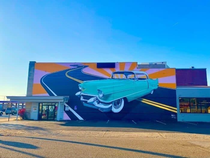 Classic car Mural in Hamilton Ohio