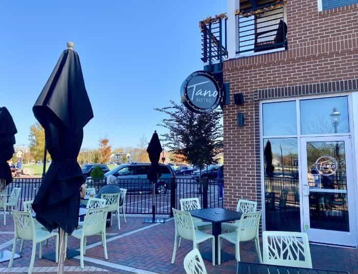 Tano Bistro outdoor seating in Hamilton Ohio