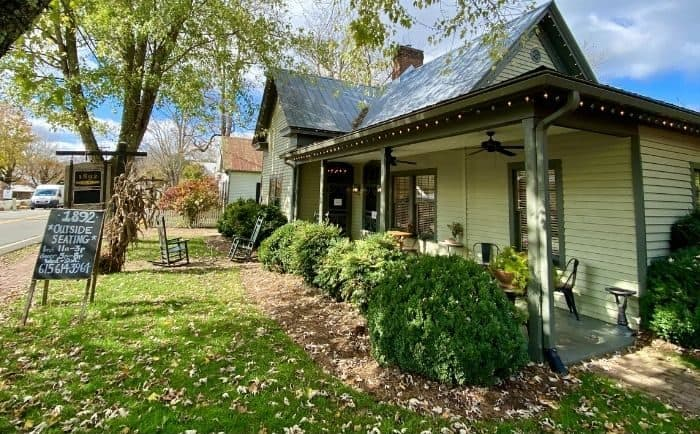 1892 Restaurant in Leipers Fork