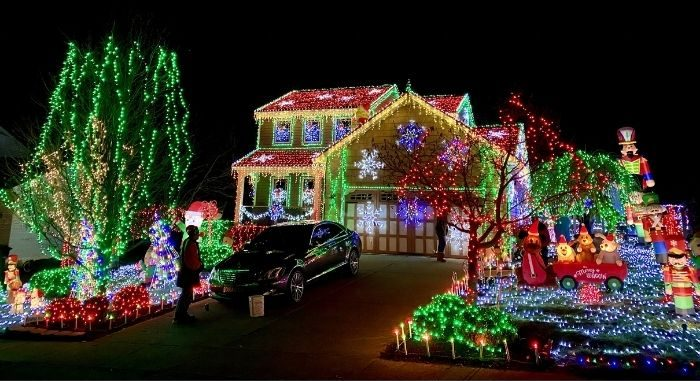 Christmas Lights at 5179 Christopher Drive in Independence,KY